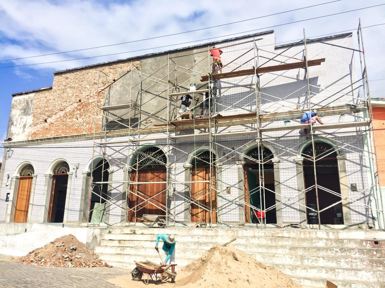 Prefeitura investe na faixada do Novo Centro Administrativo