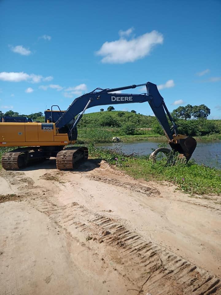 Prefeitura inicia reparo da passagem sobre o Rio paraíba.